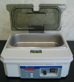 Fisher Scientific Isotemp Digital 2 Liters Shallow Form Waterbath Model 202S