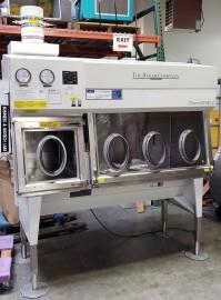 Baker ChemoSHIELD Barrier Isolator CS500 and CS600 Anaerobic Enclosure